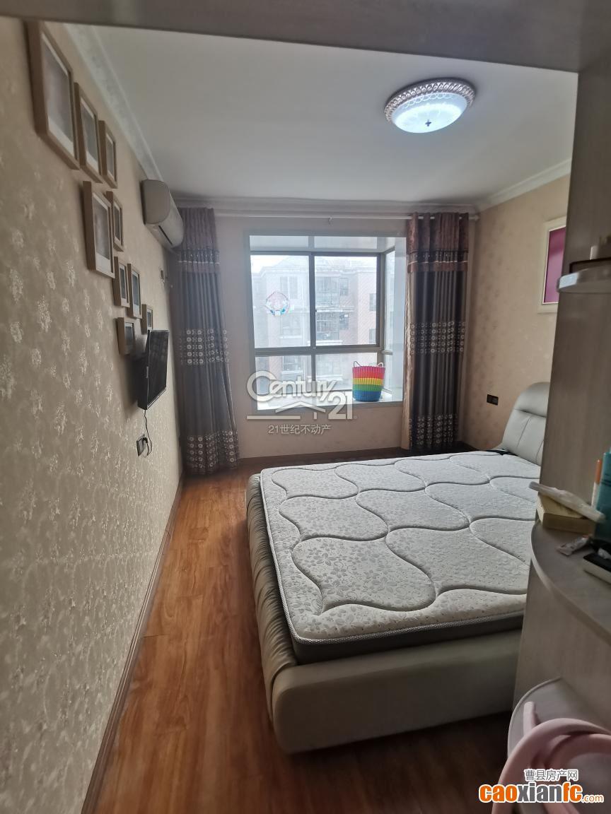 上海贵都 有证 随时过户 步梯5楼 可按揭
